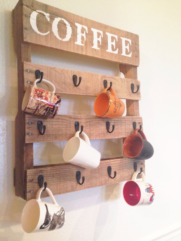 AD-Creative-Pallet-Furniture-DIY-Ideas-And-Projects-25
