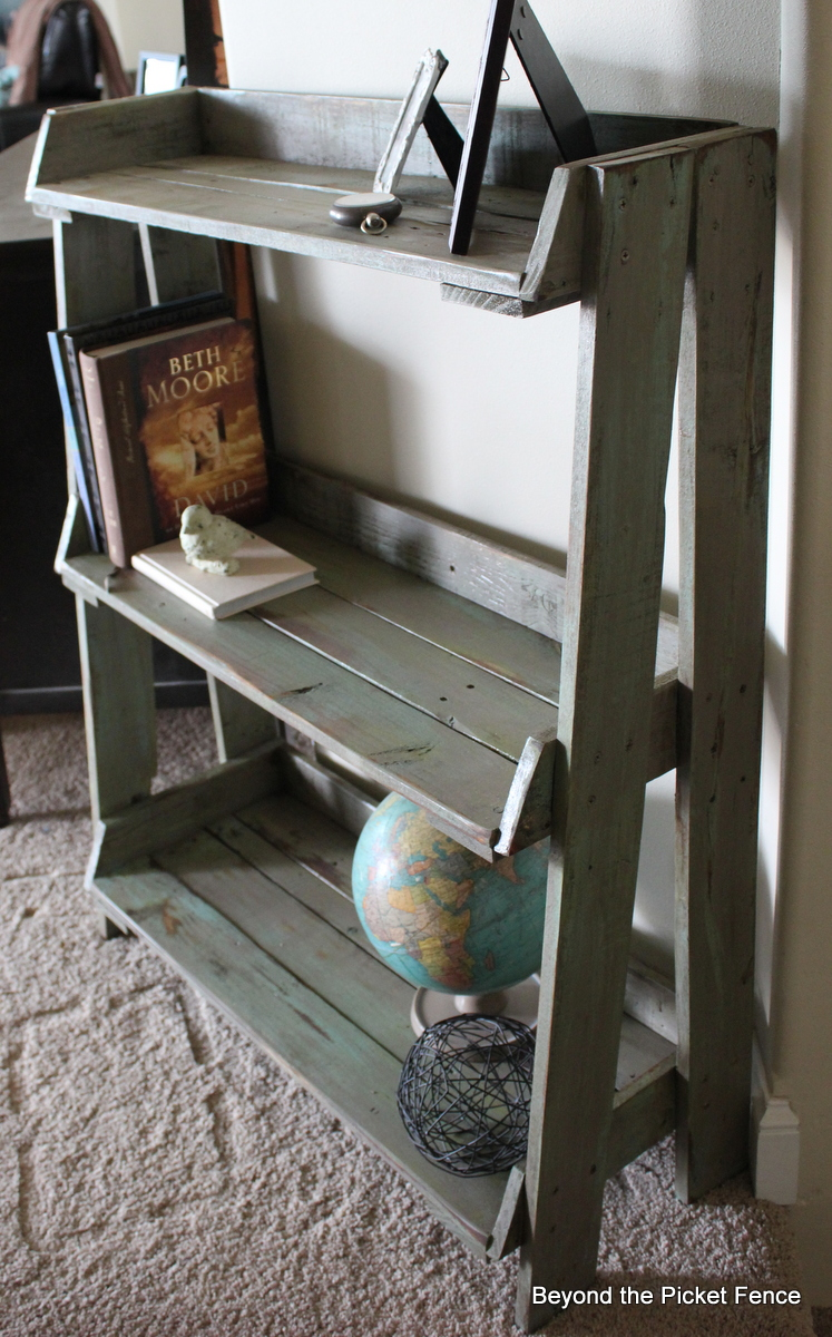 diy wood projects 40 creative pallet furniture diy ideas and projects 891