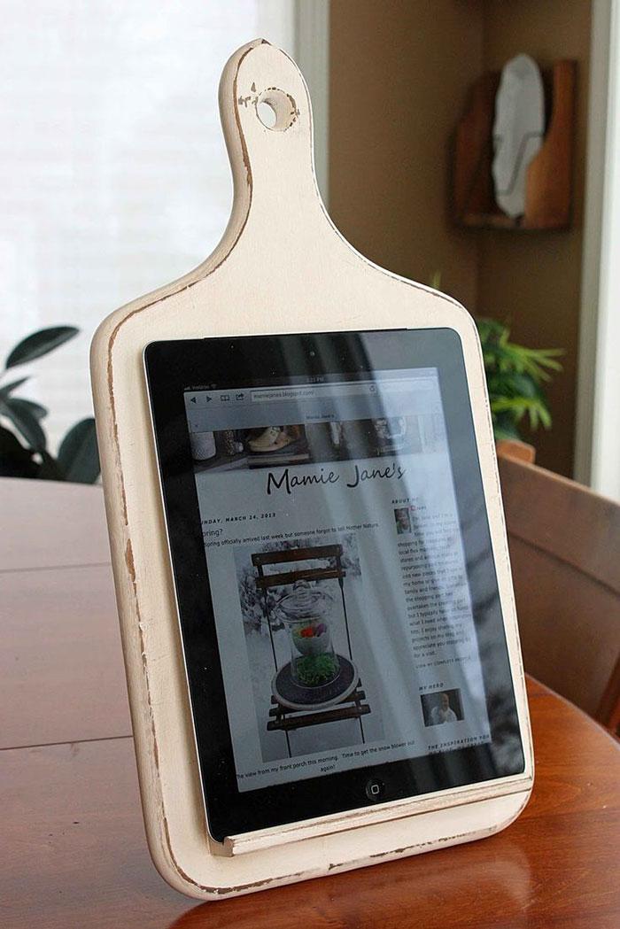 AD-DIY-Repurpose-Old-Kitchen-Stuff-10