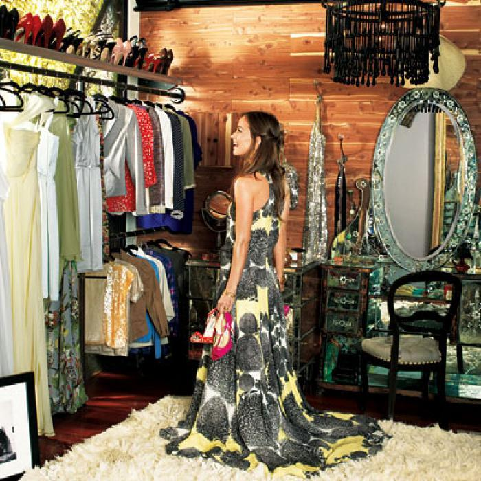 AD-Extravagant-Celebrity-Closets-07
