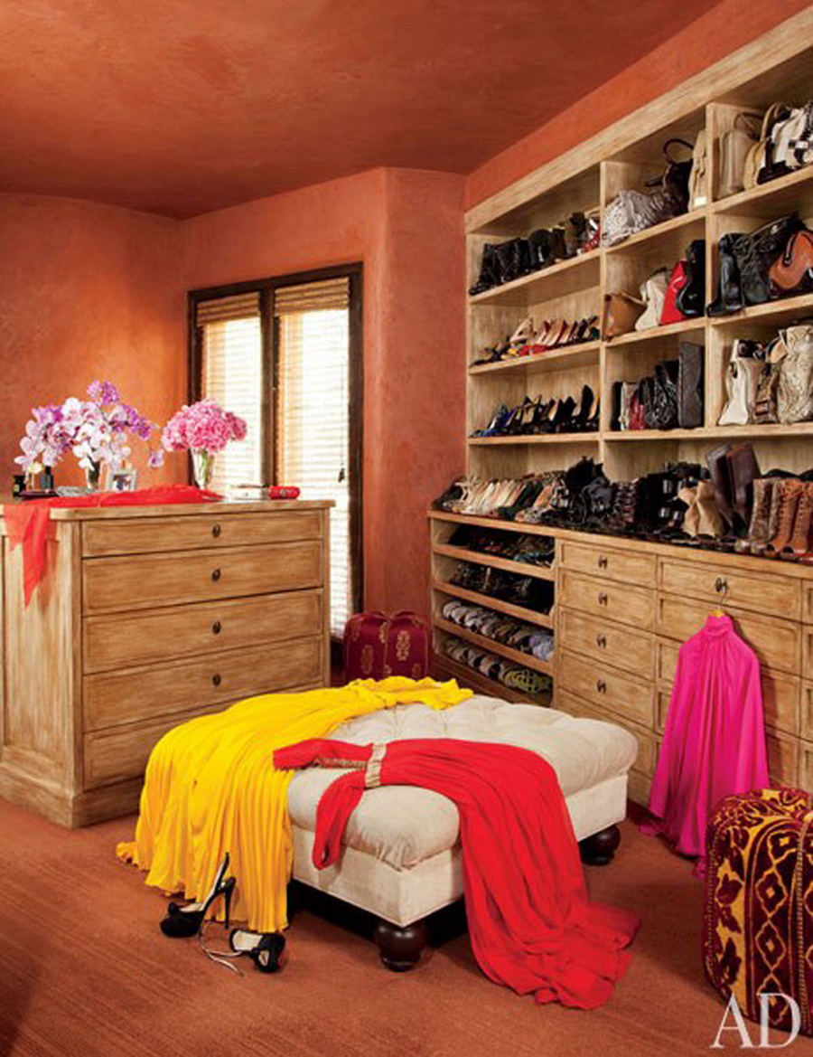 AD-Extravagant-Celebrity-Closets-16