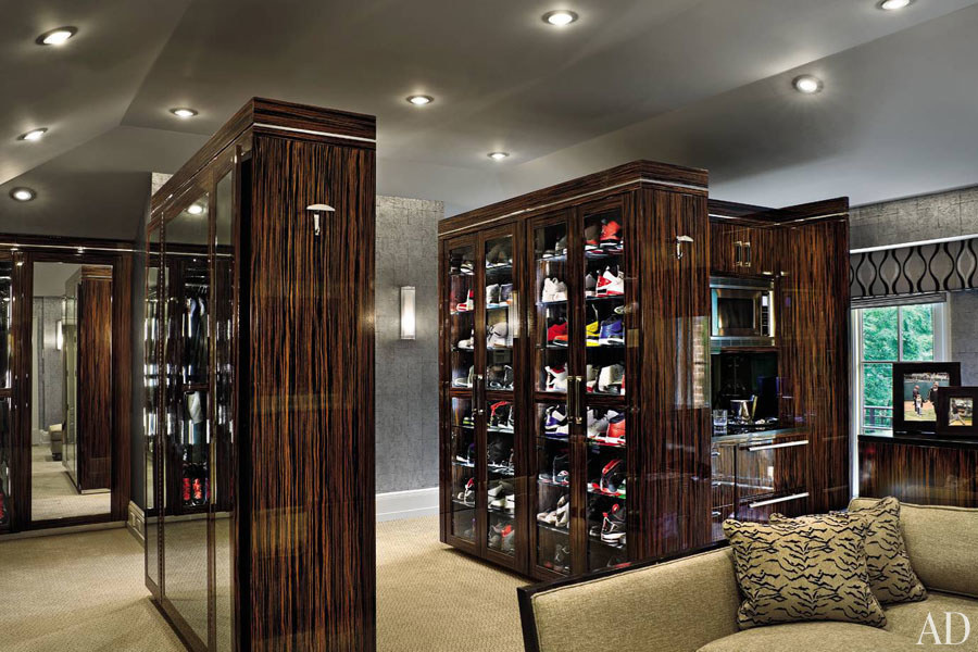 30 Celebrities Who Have Extravagant Closets You Ll Fall In Love With 24