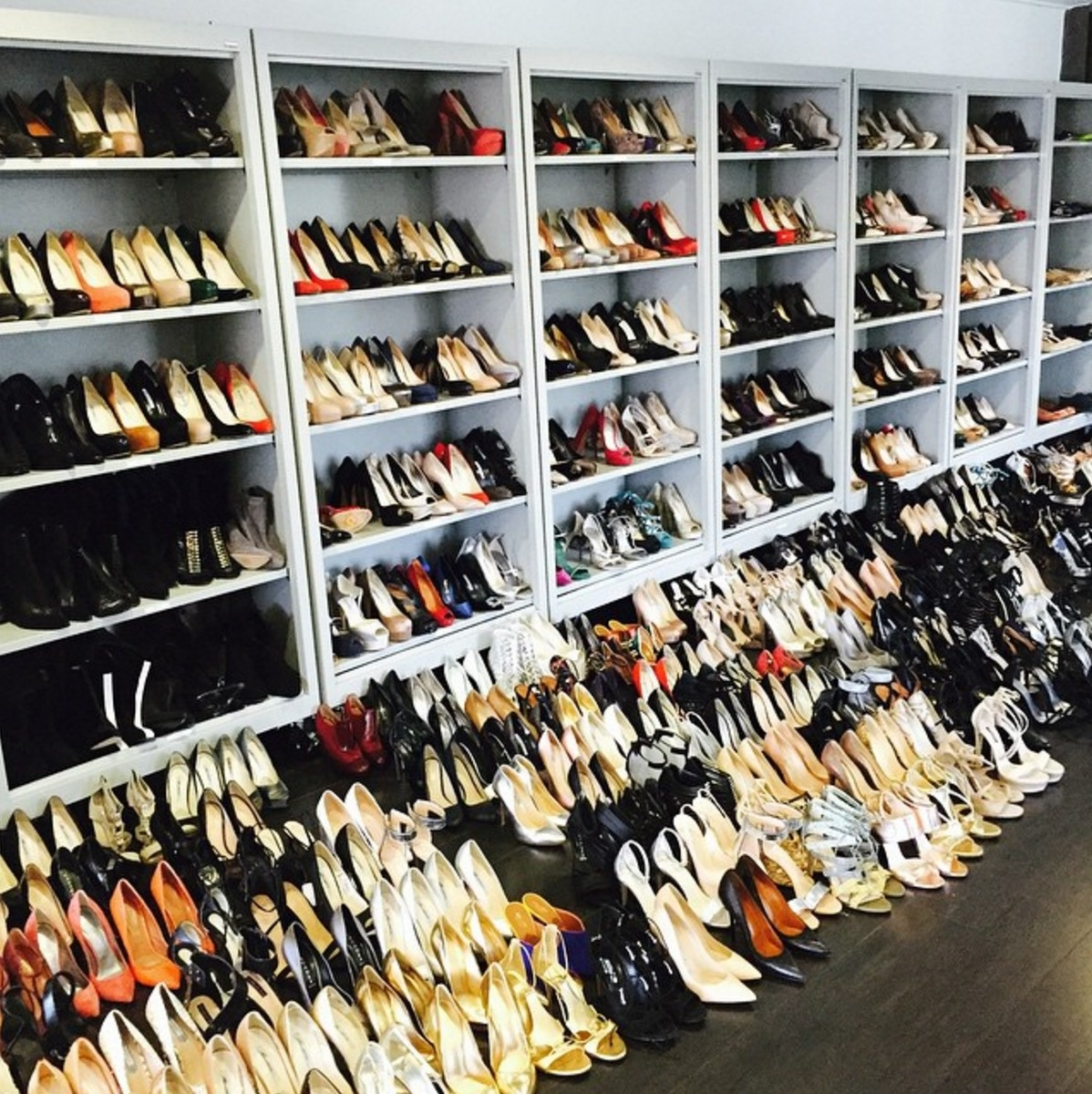 AD-Extravagant-Celebrity-Closets-21