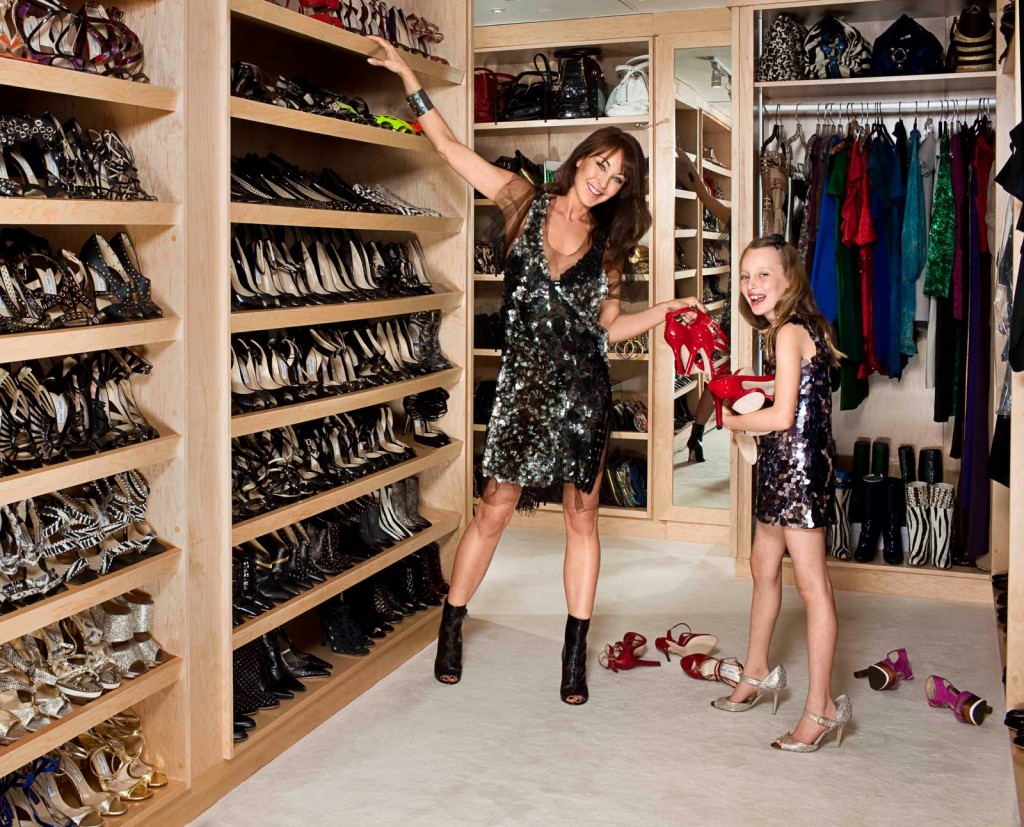 AD Extravagant Celebrity Closets 24
