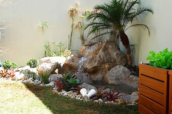 Garden Design Ideas With Pebbles on Backyard Pebbles Design id=33748