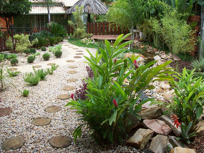 Garden Design Ideas With Pebbles on Backyard Pebbles Design id=67511