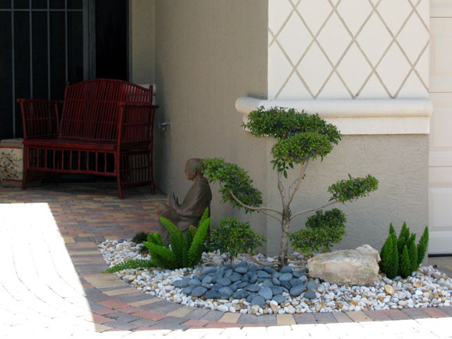 Garden design ideas with pebbles - Gardening for small spaces minimalist ...