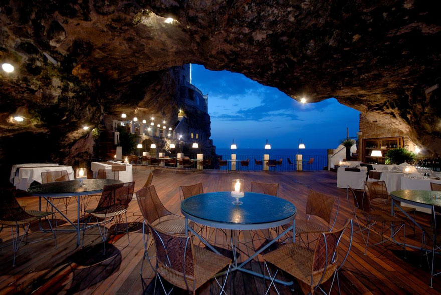 AD-Italian-Cave-Restaurant-Grotta-Palazzese-In-The-Town-Of-Polignano-Mare-02
