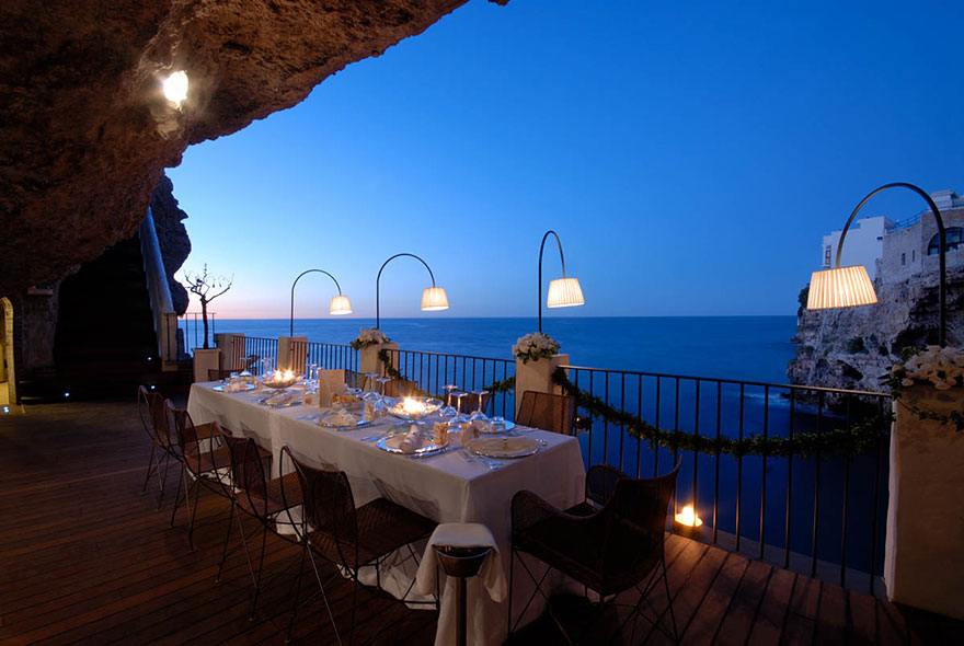 AD-Italian-Cave-Restaurant-Grotta-Palazzese-In-The-Town-Of-Polignano-Mare-03