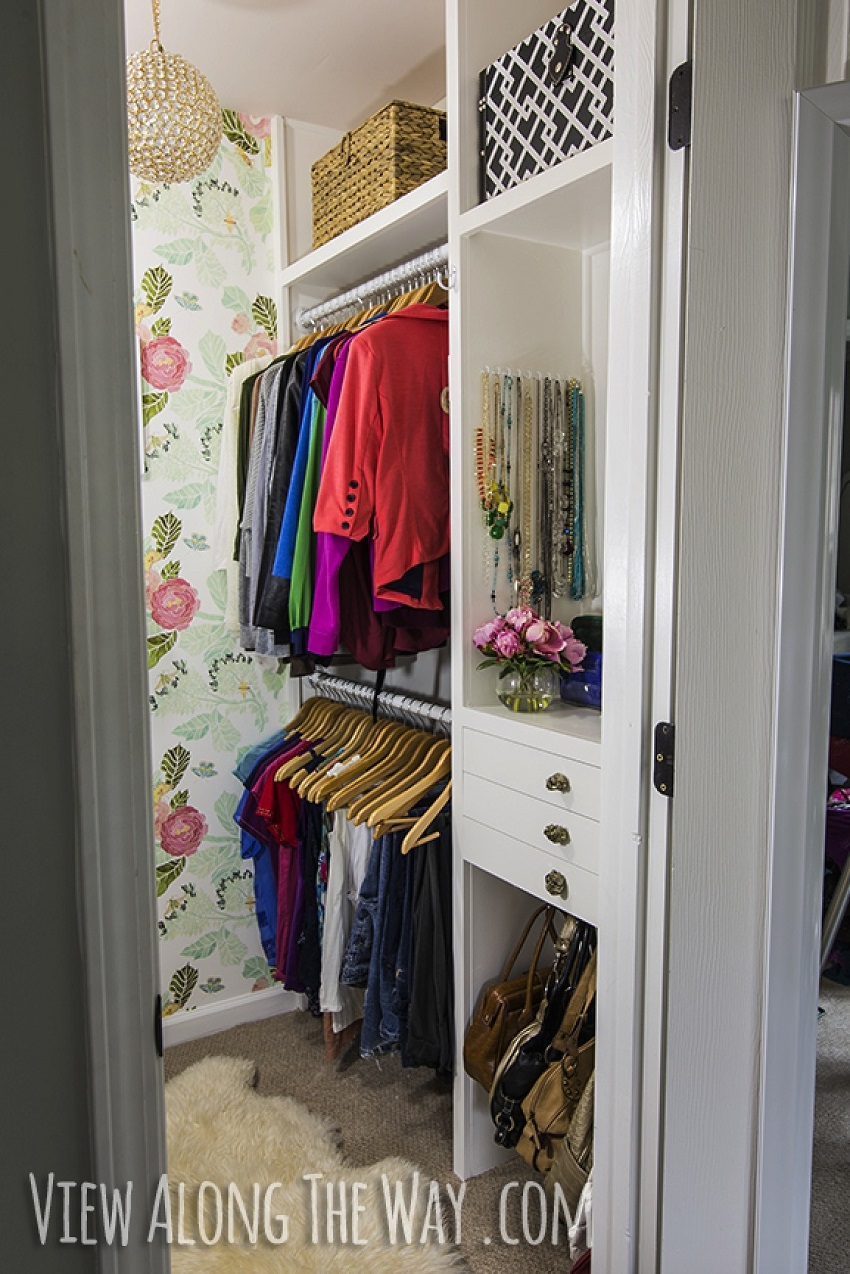 AD-Storage-Hacks-That-Will-Help-You-Organize-Your-Closet-16