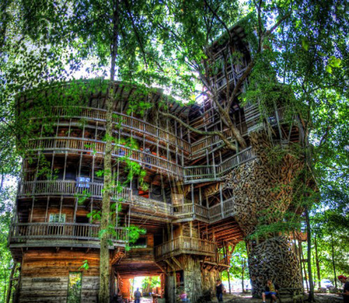 AD-The-Most-Beautiful-Treehouses-From-All-Over-The-World-12