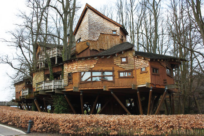 AD-The-Most-Beautiful-Treehouses-From-All-Over-The-World-23