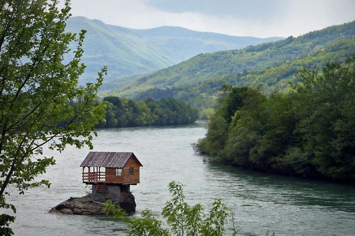 AD-The-Most-Beautiful-Treehouses-From-All-Over-The-World-40