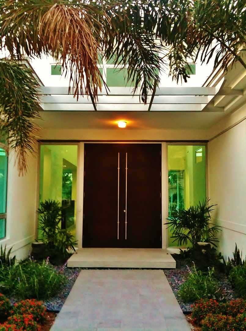 33 Ultimate Front Door Designs on Modern Entrance Design  id=92839