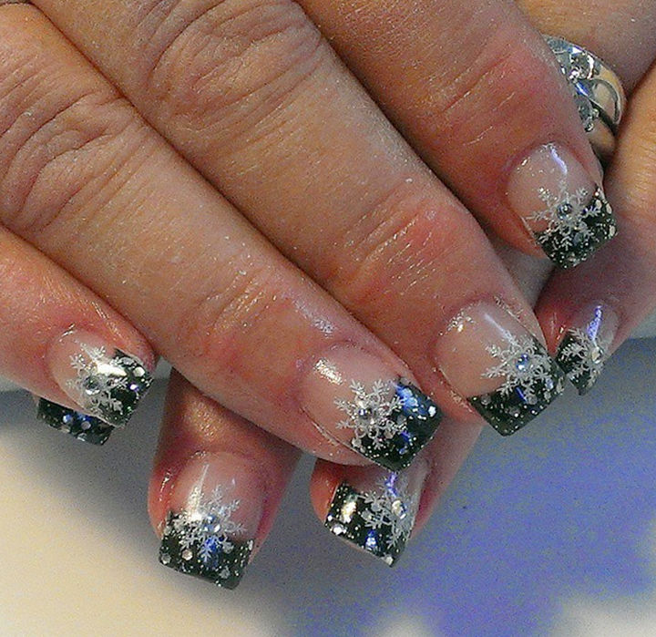 AD Winter Inspired Nail Designs 22