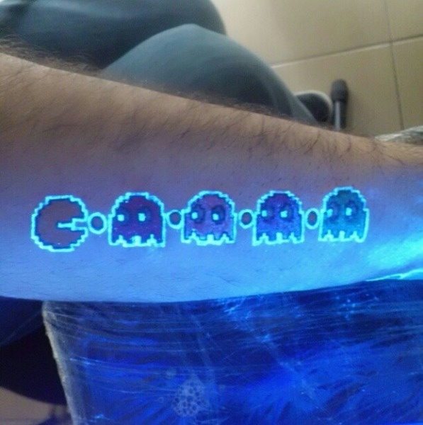 AD-Glow-In-The-Dark-Tattoos-02
