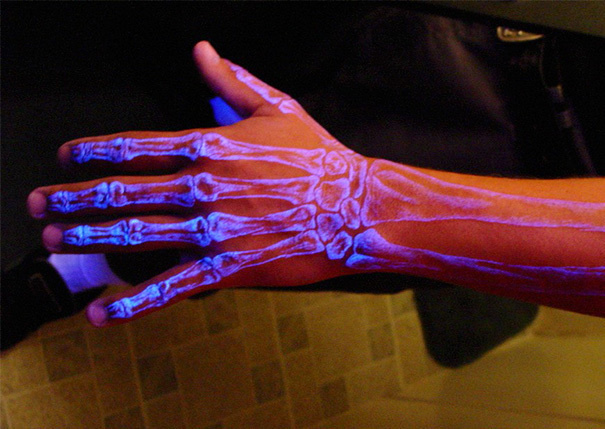 AD-Glow-In-The-Dark-Tattoos-13