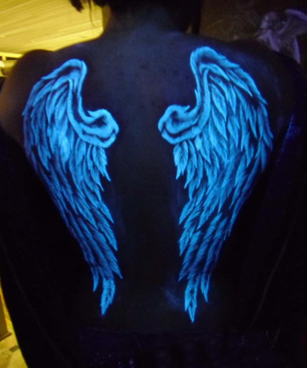 AD-Glow-In-The-Dark-Tattoos-28
