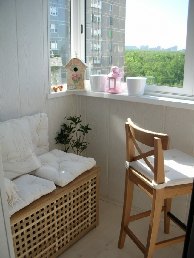 AD-Cool-Ideas-To-Make-Your-Balcony-The-Best-Place-In-Your-Apartment-16