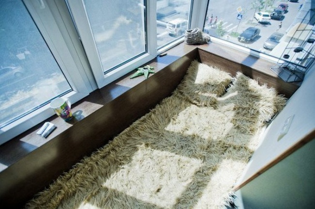 AD-Cool-Ideas-To-Make-Your-Balcony-The-Best-Place-In-Your-Apartment-19