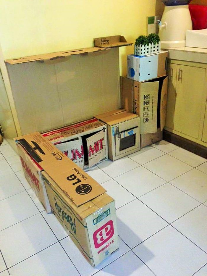 AD-DIY-Cardboard-Kitchen-Recycle-For-Your-Toddler-02