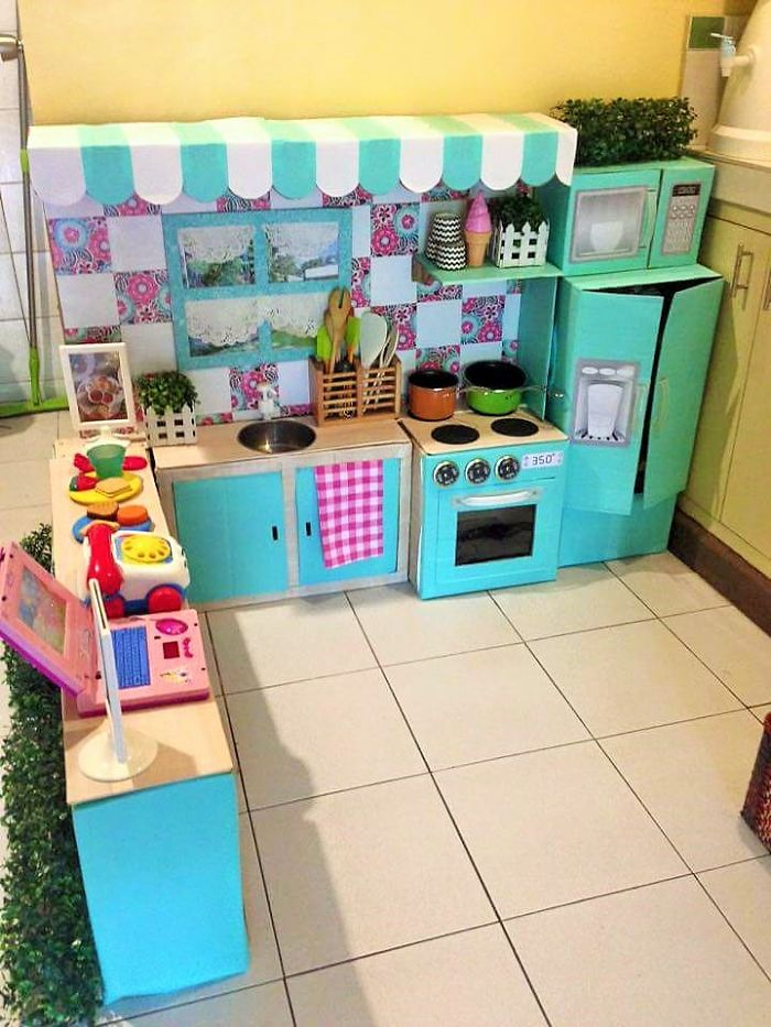 AD-DIY-Cardboard-Kitchen-Recycle-For-Your-Toddler-05