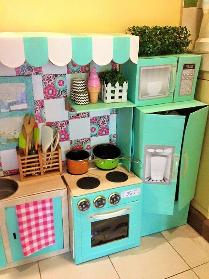 AD-DIY-Cardboard-Kitchen-Recycle-For-Your-Toddler-08