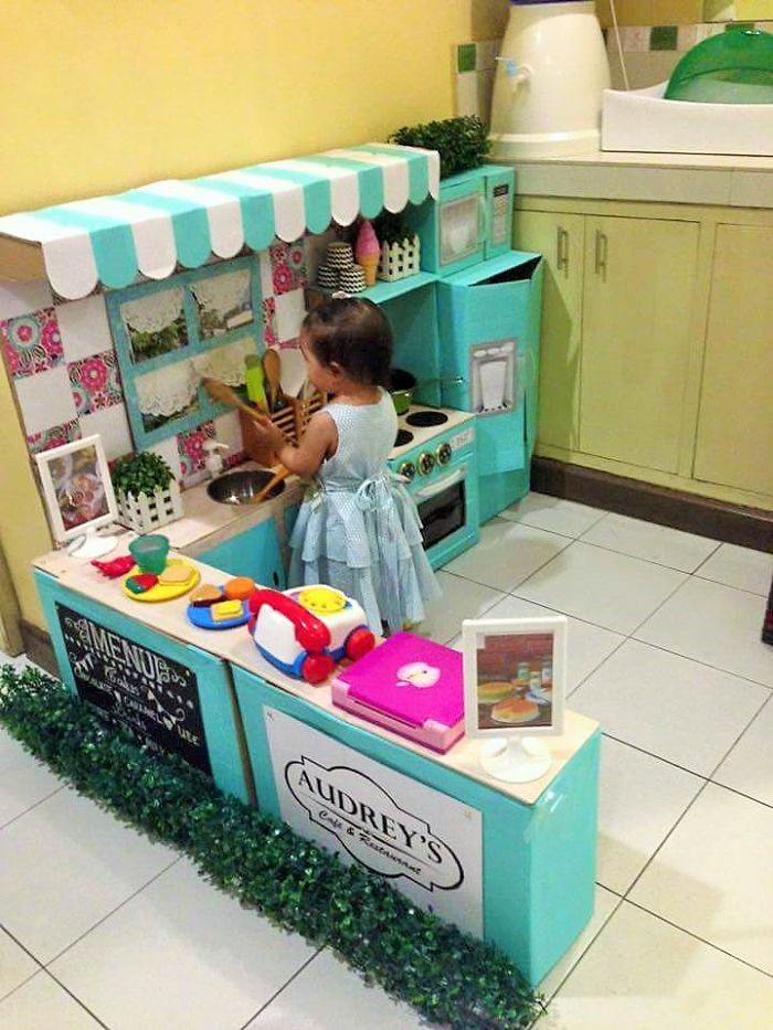 AD-DIY-Cardboard-Kitchen-Recycle-For-Your-Toddler-09