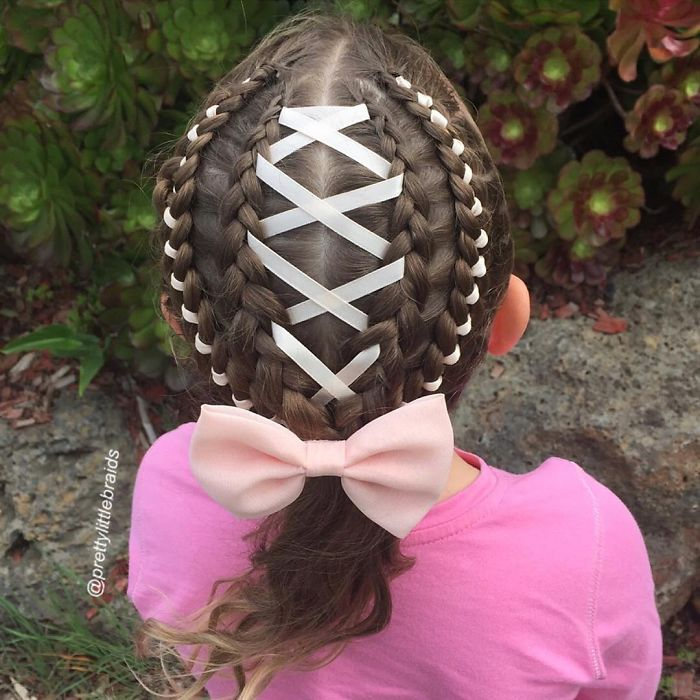 AD-Mom-Braids-Unbelievably-Intricate-Hairstyles-Every-Morning-Before-School-01