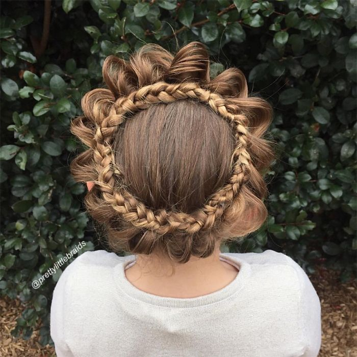 AD-Mom-Braids-Unbelievably-Intricate-Hairstyles-Every-Morning-Before-School-02