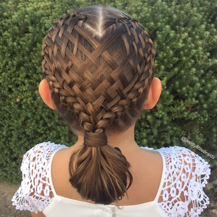 AD-Mom-Braids-Unbelievably-Intricate-Hairstyles-Every-Morning-Before-School-03