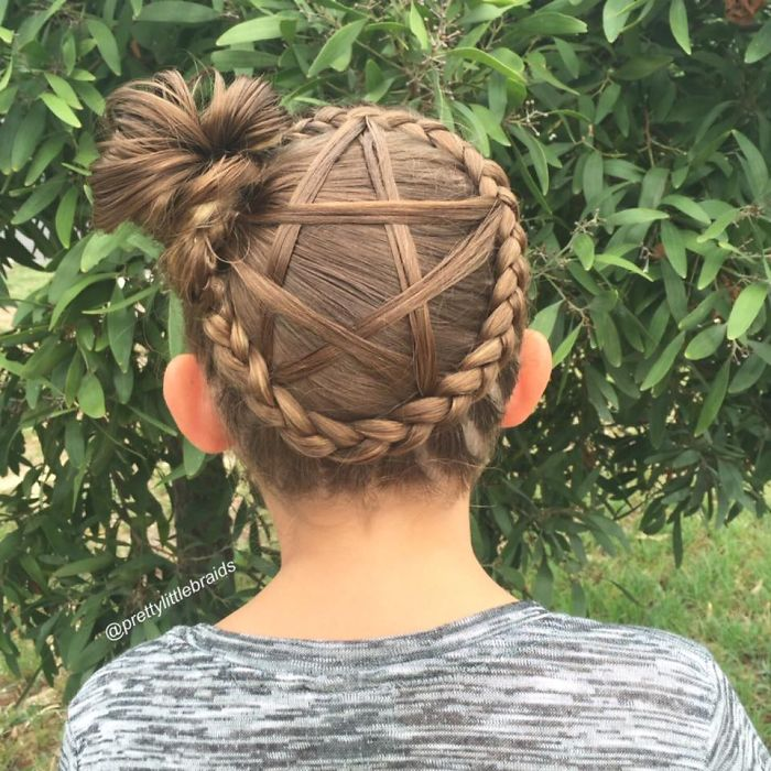 AD-Mom-Braids-Unbelievably-Intricate-Hairstyles-Every-Morning-Before-School-05