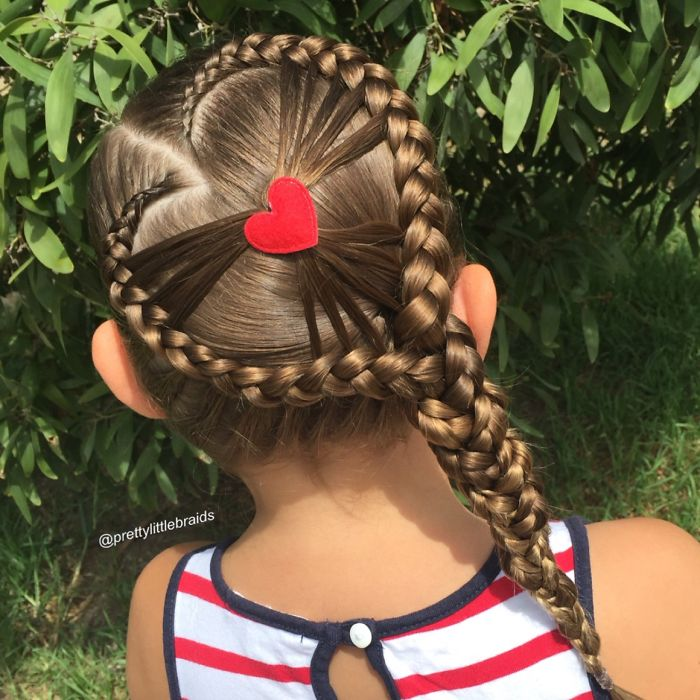 AD-Mom-Braids-Unbelievably-Intricate-Hairstyles-Every-Morning-Before-School-07