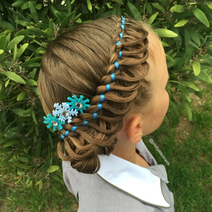 AD-Mom-Braids-Unbelievably-Intricate-Hairstyles-Every-Morning-Before-School-08