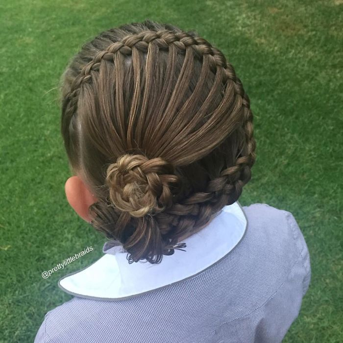 AD-Mom-Braids-Unbelievably-Intricate-Hairstyles-Every-Morning-Before-School-15