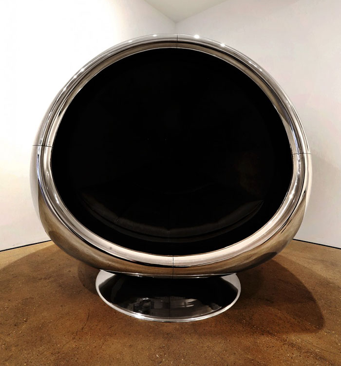 AD-Boeing-737-Jet-Engine-Chair-Cowling-Fallen-Furniture-04