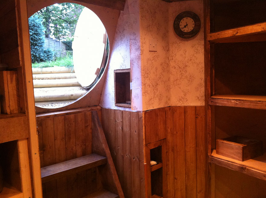 AD-DIY-Hobbit-House-Backyard-Ashley-Yeates-07