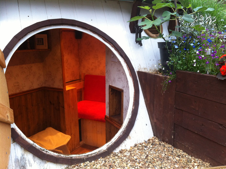 AD-DIY-Hobbit-House-Backyard-Ashley-Yeates-12