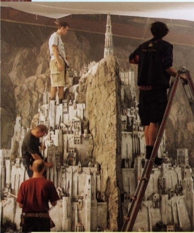 AD-Famous-Movie-Scenes-That-Were-Actually-Amazing-Miniature-Models-04