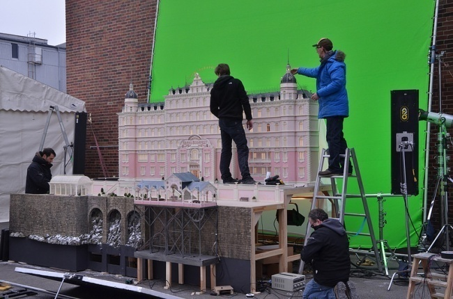 AD-Famous-Movie-Scenes-That-Were-Actually-Amazing-Miniature-Models-09