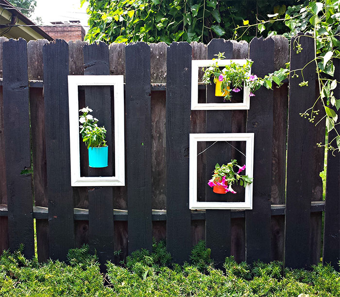 AD-Garden-Fence-Decor-Ideas-26