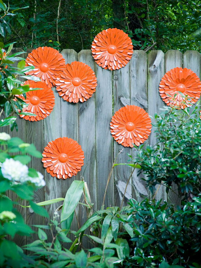 AD-Garden-Fence-Decor-Ideas-36