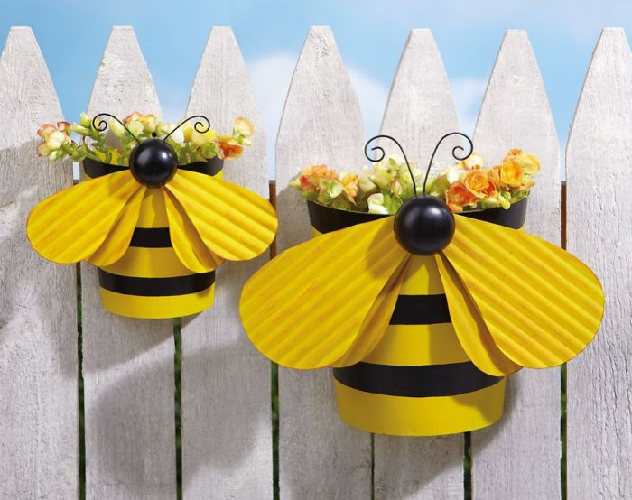 AD-Garden-Fence-Decor-Ideas-37