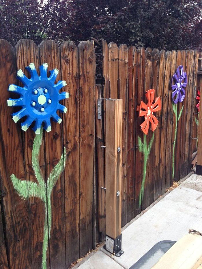55 people who took their backyard fences to another level for Garden design decoration