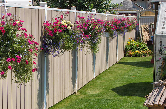 AD-Garden-Fence-Decor-Ideas-39