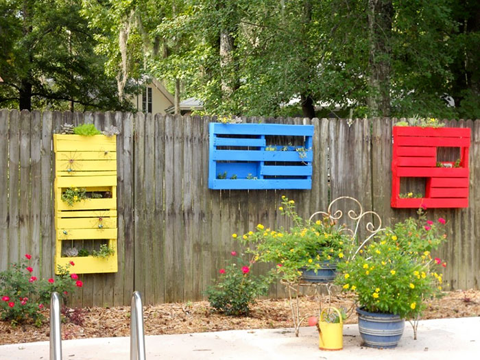 People Who Took Their Backyard Fences To Another Level - Fence ideas for backyard