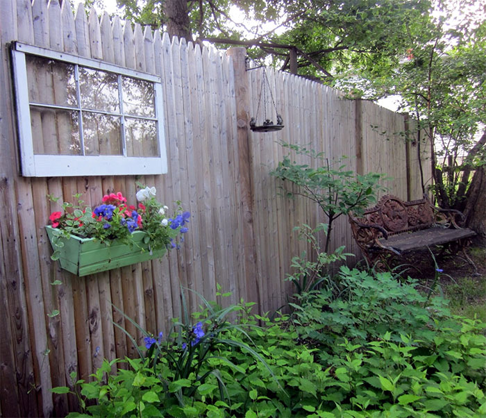 AD-Garden-Fence-Decor-Ideas-56