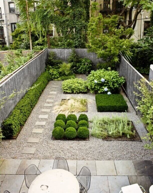 35 wonderful ideas how to organize a pretty small garden space for Garden plans for small gardens