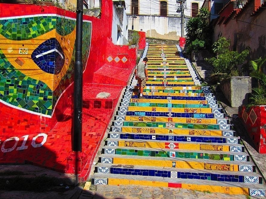 AD-The-World's-Most-Amazing-Staircases-13