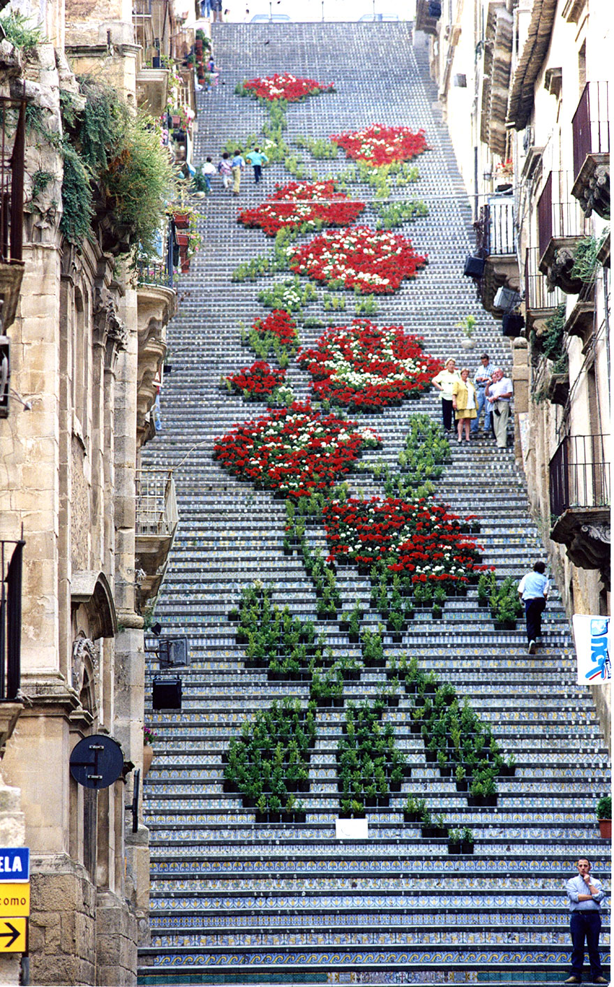 AD-The-World's-Most-Amazing-Staircases-20
